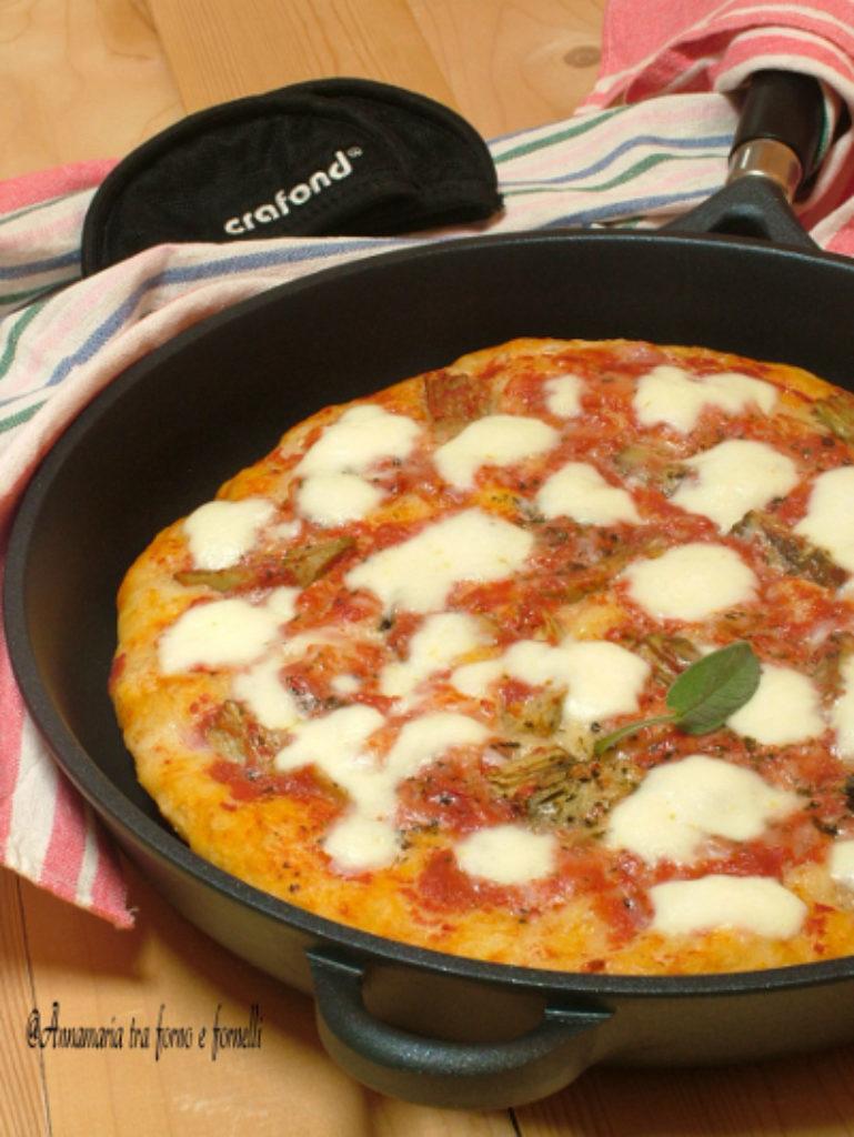 Ricetta Pizza In Padella.Pizza In Padella Cotta Sul Fornello Crafond Magazine